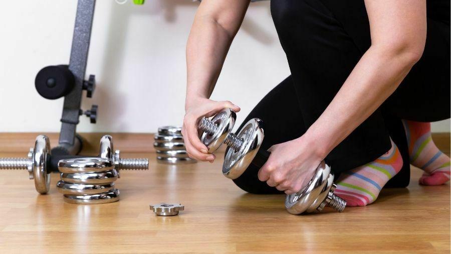 ejercicios con mancuernas en casa