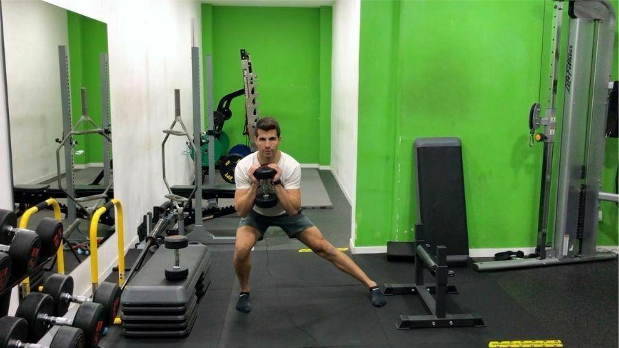 ejercicios para piernas en casa con mancuernas